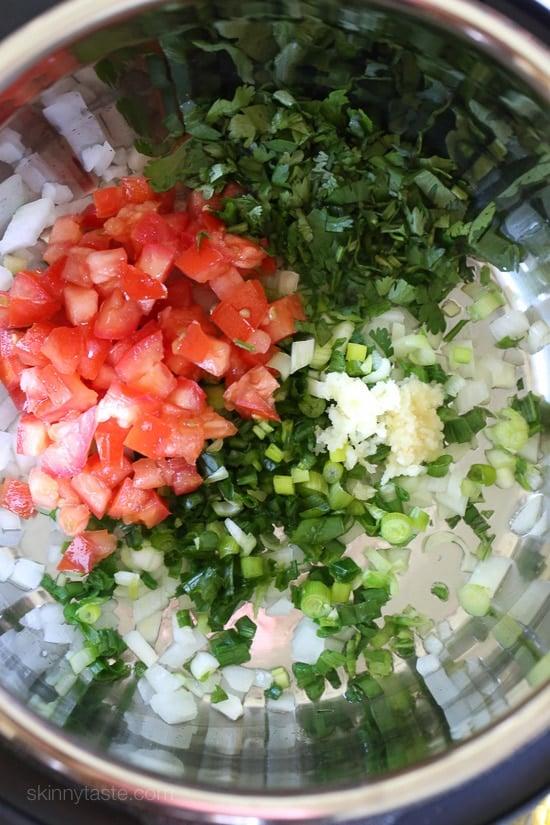 Pressure Cooker Pollo Guisado (Latin Stewed Chicken)