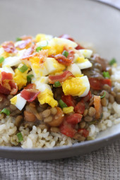 For busy families looking for delicious, healthy meals that will keep everyone's stomachs full and happy, lentils and rice with eggs and bacon are economic, easy to prepare and make enough for plenty of leftovers!