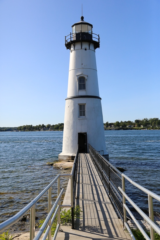 Lighthouses, castles, boating, farms and more – here's a recap (and a video!) from an incredible 4-day weekend in The Thousand Islands and Lake Placid, NY! We crammed a lot in this short weekend and had such an amazing time, we plan on returning really soon, hopefully in the winter when everything is covered in a blanket of snow.