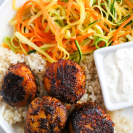 These quick seared Blackened Sea Scallops are coated in a homemade blend of blackened seasoning, then cooked in a cast iron skillet served with a creamy horseradish sauce.