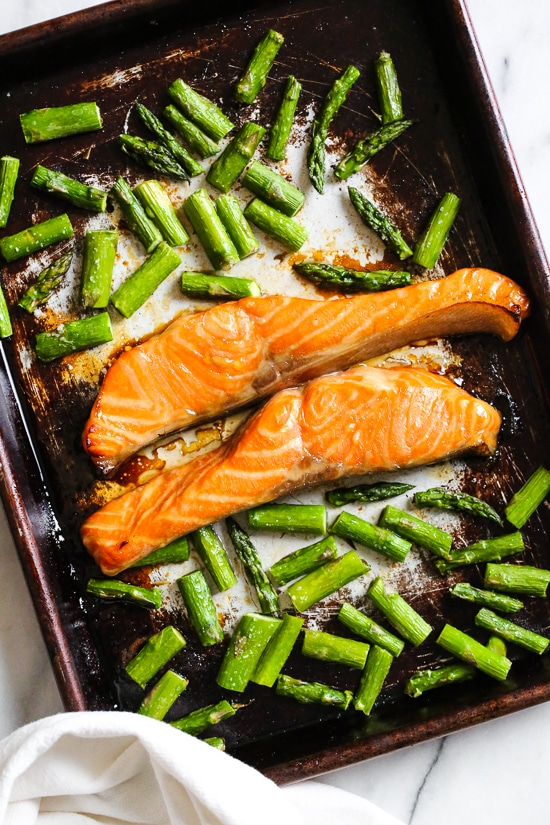 Baked Honey-Teriyaki Salmon and Asparagus with Cauliflower Rice, this 15-minute dinner is not just tasty, it's also good for you!