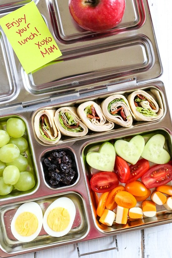 Your kids will love these Turkey Club Roll Ups packed in their bento style lunchbox!