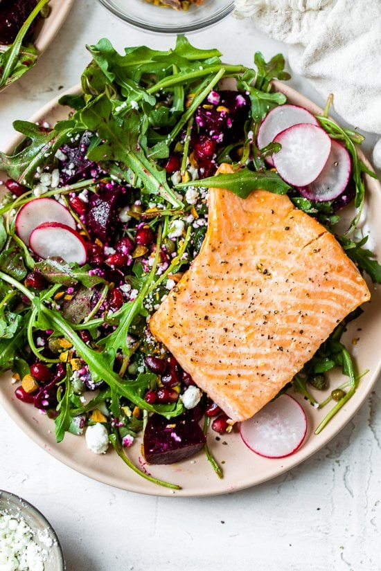 "Salmon, beet and rocket salad ""width ="" 550 ""height ="" 825 ""data-pin-description ="" This beautiful, heart-healthy salad makes salmon fillets a focal point on the colorful salad with many textures. ""Data-pin -title ="" Salmon, beet and rocket salad ""srcset ="" https://www.skinnytaste.com/wp-content/uploads/2021/02/Salmon-Beet-and-Arugula-Salad -5.jpg 550w, https://www.skinnytaste.com/wp-content/uploads/2021/02/Salmon-Beet-and-Arugula-Salad-5-500x750.jpg 500w, https: //www.skinnytaste .com / wp-content /uploads/2021/02/Salmon-Beet-and-Arugula-Salad-5-170x255.jpg 170w, https://www.skinnytaste.com/wp-content/uploads/2021/02/ Salmon-Beet-and- Rucola-Salat-5-260x390.jpg 260w, https://www.skinnytaste.com/wp-content/uploads/2021/02/Salmon-Beet-and-Arugula-Salad-5-150x225 .jpg 150w ""data- sizes ="" (maximum width: 550px) 100vw, 550px"