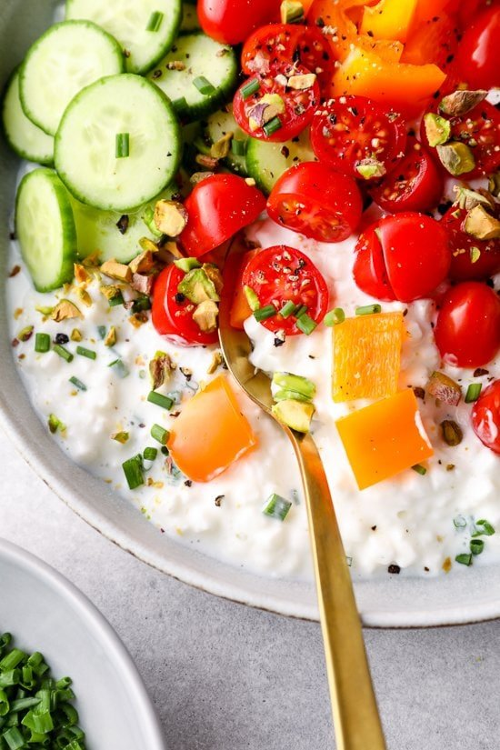 Cottage cheese topped with vegetables