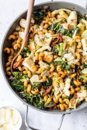 One Pot Chicken and Artichoke Cavatappi