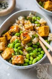 Spicy Sriracha Tofu Rice Bowls